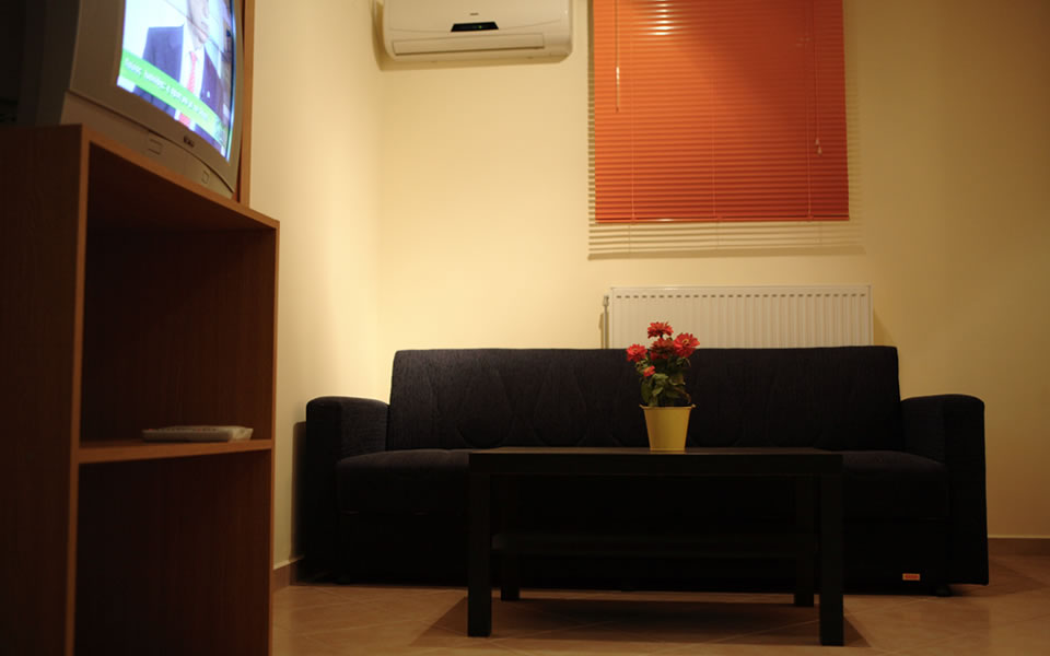karmela-studio-aegina-room-photo-5